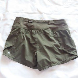 💚 Lululemon Speed Up Short - Dark Olive Green